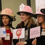 Los cascos rosas, bomberos voluntarios contra el cáncer